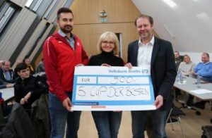 5. Cup der Besten – Gifhorns größtes Hallenfußballturnier Spendenübergabe in der Volksbank BraWo in Gifhorn